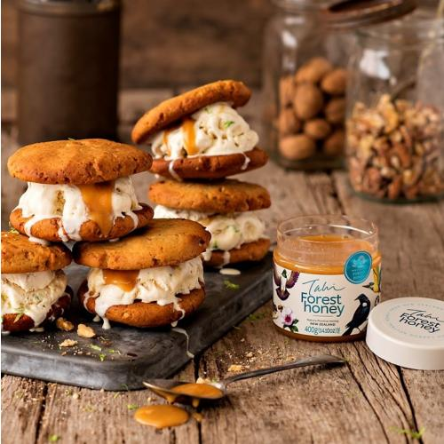 New Zealand wild Forest honey with ice cream cookies 2