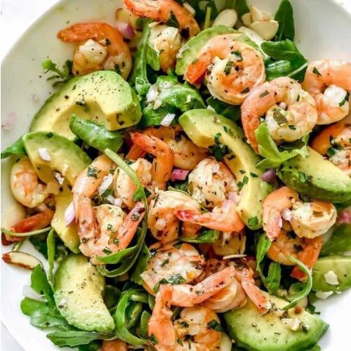 avo oil in prawn salad sq